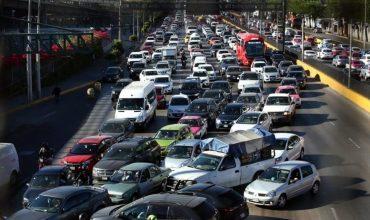 Atora bloqueo tránsito al AICM