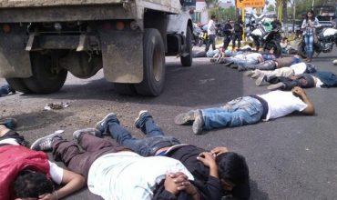 Deja balacera 20 detenidos en Oaxaca
